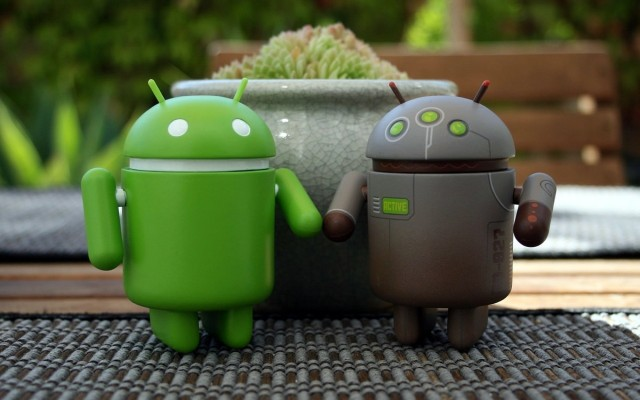 android-couple-logo