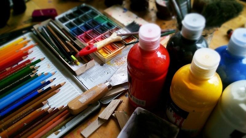 painting-draw-pencils-pens-watercolour-paint