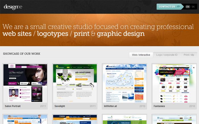 Designmeのウェブサイトは背景に三色しか使っていません。