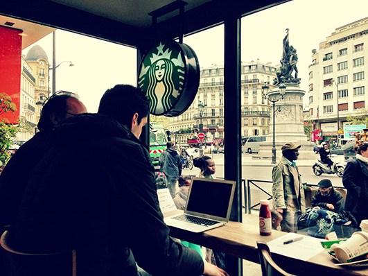 様々な文化的背景や異なる年齢層のテスト対象者を見つけることができるため、コーヒーショップは素晴らしい場所となります。