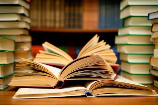 多くの技術書では、始めは親切平易な内容で、読者の予備知識を前提としない構成になっています。
